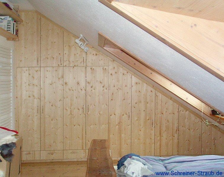 Schlafzimmer Unter Dachschräge Gestalten : Schlafzimmer Unter Der ...
