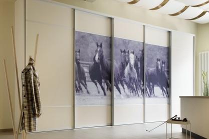 Schiebetüren Einbauschrank mit Pferde Dekor