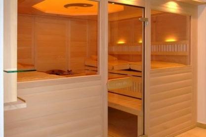 Massivholz-Sauna - Außenansicht