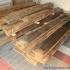 Badezimmer Sauna - Altholzsauna - die alten Bretter und Balken vorher