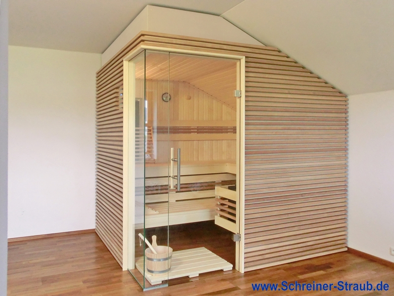 dachschr ge sauna schreiner straub wellness wohnen. Black Bedroom Furniture Sets. Home Design Ideas