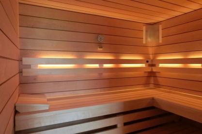 Wellness Sauna - Farblichttherapie - weiß