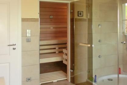 Badezimmer Sauna im eigenen Raum