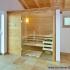 Geräumige Sauna im Badezimmer - Ansicht von rechts