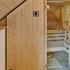 Badezimmer Sauna mit Dusche - Frontalansicht, Dachschräge und Steuerung