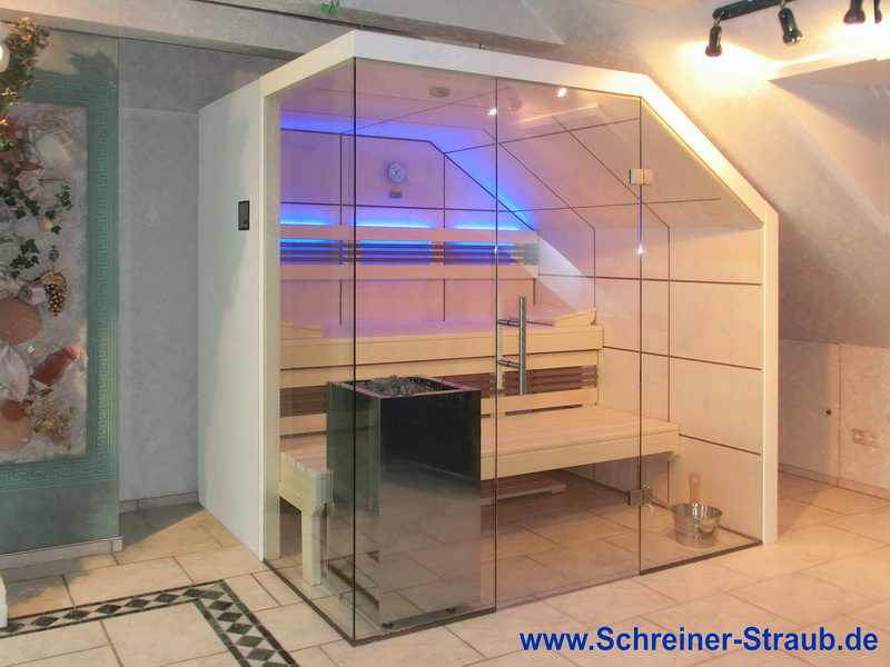 Dachschräge Sauna   Glassauna Unter Der Mansarde   LED, Blau