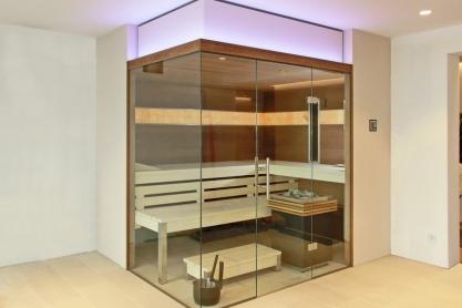 Salzsteinsauna mit Glasfront