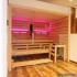 Einbausauna im Badezimmer - Außenansicht, LED Beleuchtung, rot