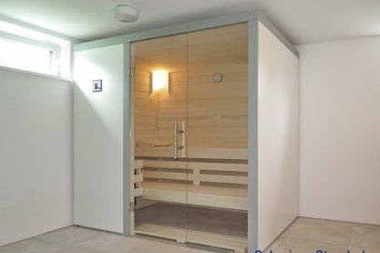 Wellness-Sauna mit pflegeleichter Oberfläche
