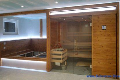 Sauna mit großer Ruhezone in Thermofichte