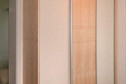 Schiebetür Garderoben-Schrank