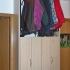 Schmale Garderobe